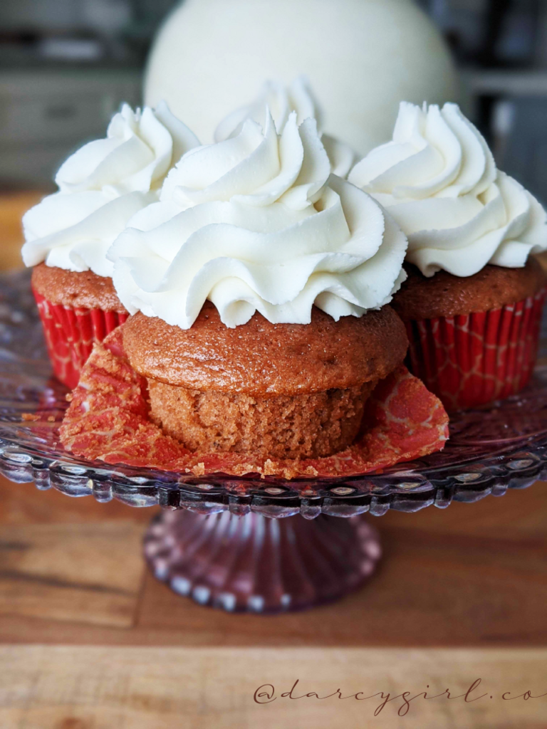 red velvet cupcakes with white frosting